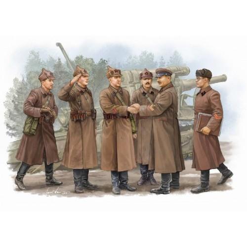COMANDANTES SOVIETICOS EN INSPECCION - Trumpeter 00428