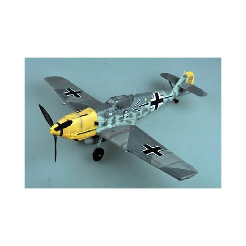 MESSERSCHMITT Bf-190 E  Adolf Galland 1.940   1/18 Merit International 60025