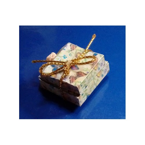 CAJAS PAPEL MARIPOSAS - HOBBY DOLLSHOUSE 556