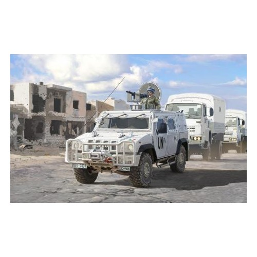 VEHICULO BLINDADO IVECO LINCE (LMV) UNITED NATIONS - Italeri 6535