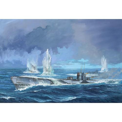 """SUBMARINO """"U-Boot"""" Type IX C (Early Turret) 1/72 - Revell 05166"""